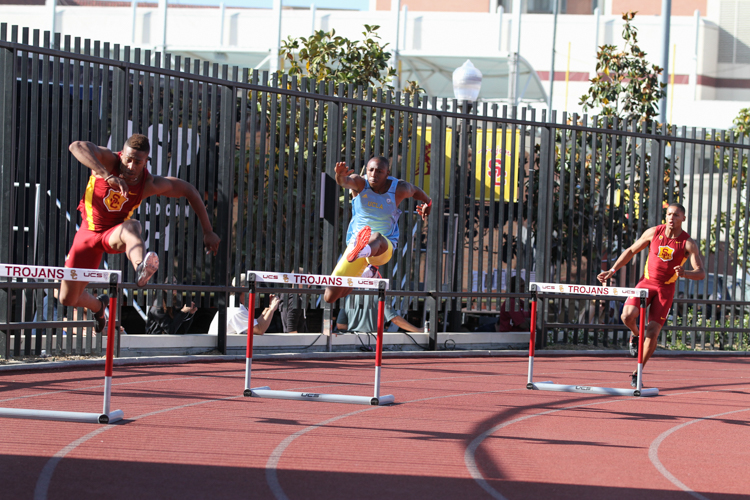 UCLA Andre Chapman showing great form in 400m Hurdles