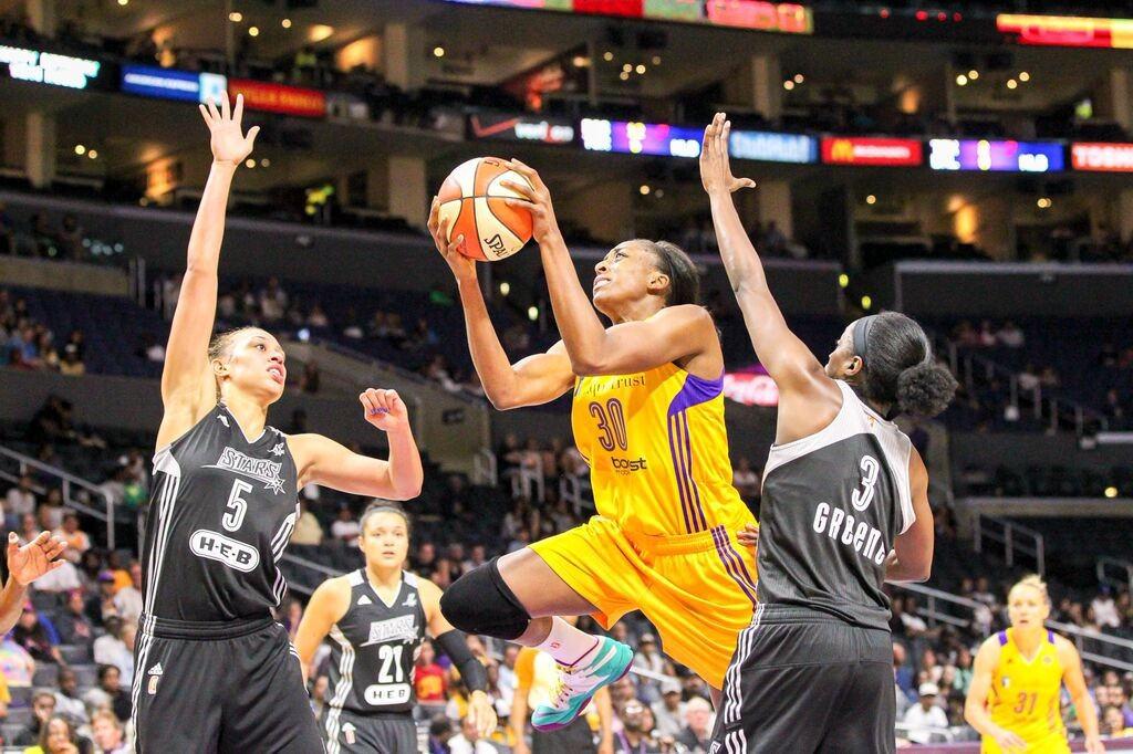 LA Sparks Nneka Ogwumike driving to the Basket for 2 of team high 27 points.