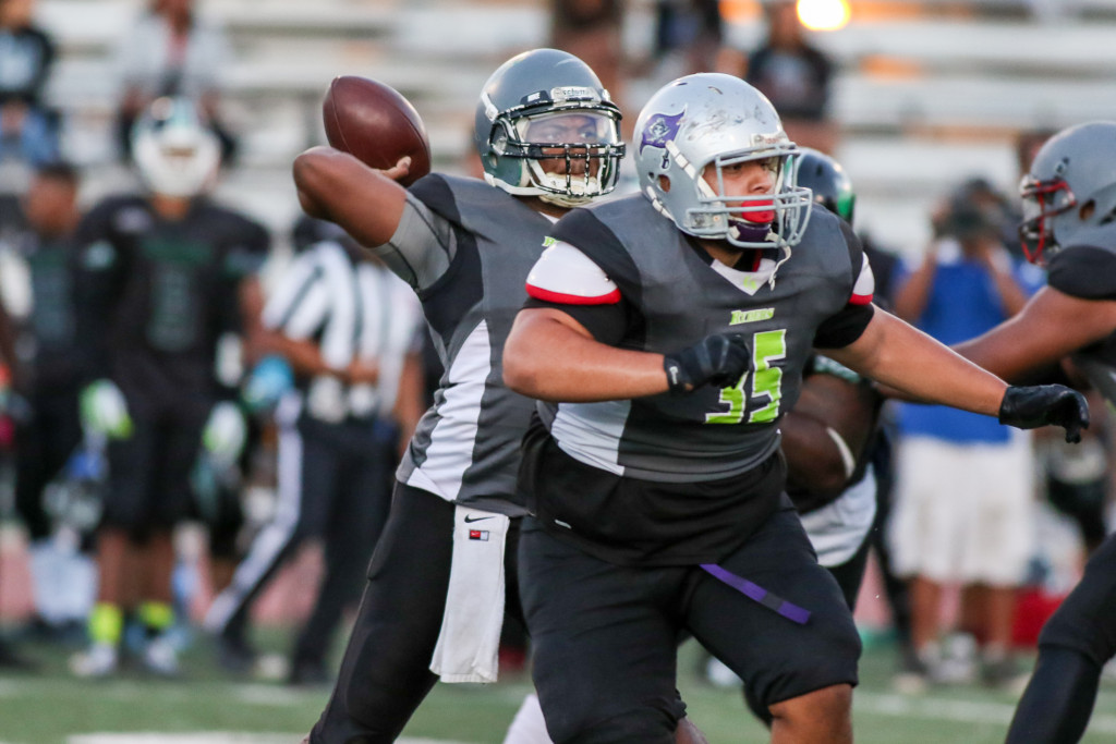 Cali Ryders QB Josh Owes standing tall in the pocket. Photo by Jevone Moore