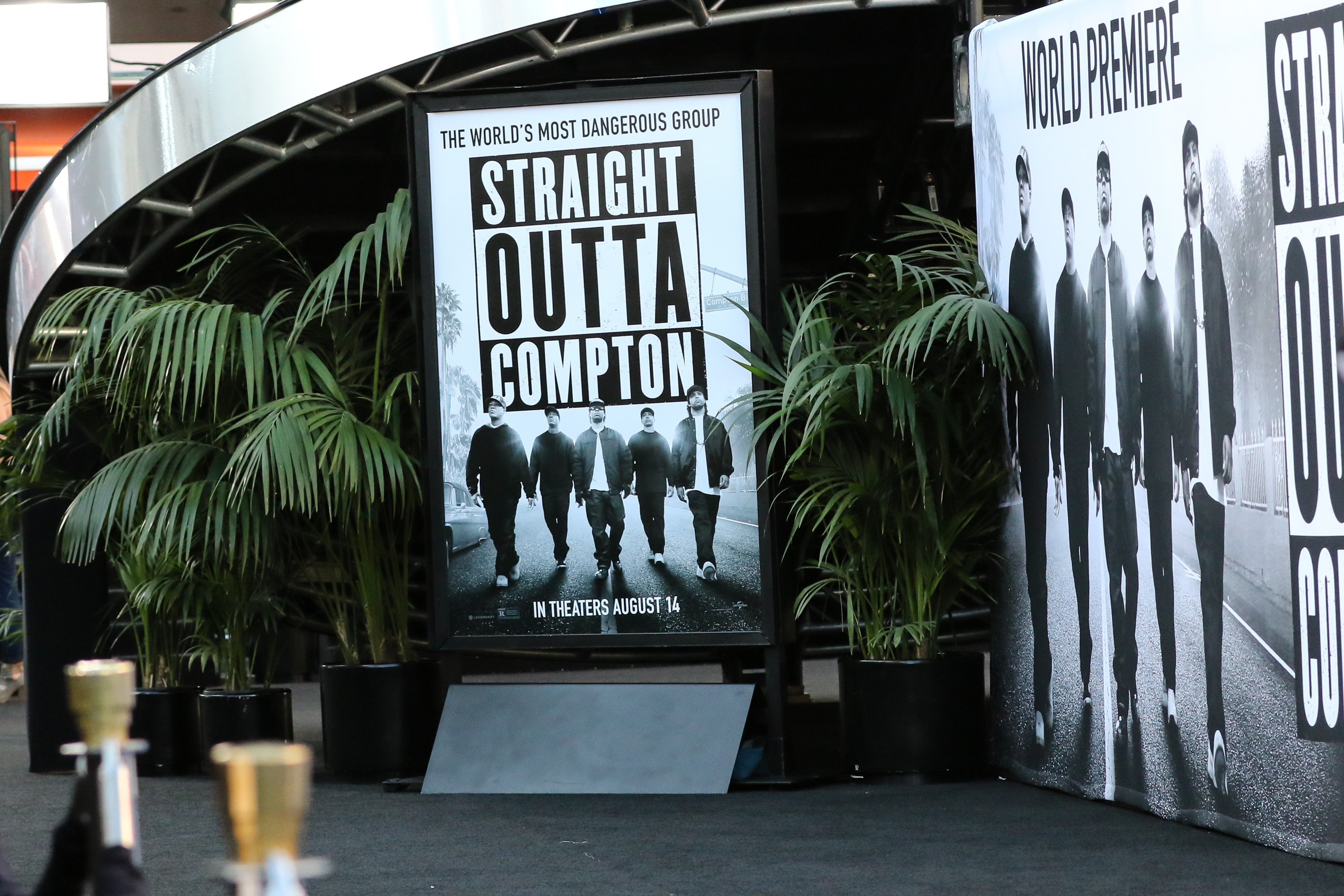 Straight outta compton tomica woods wright red carpet premiere - The World Premiere Of Straight Outta Compton