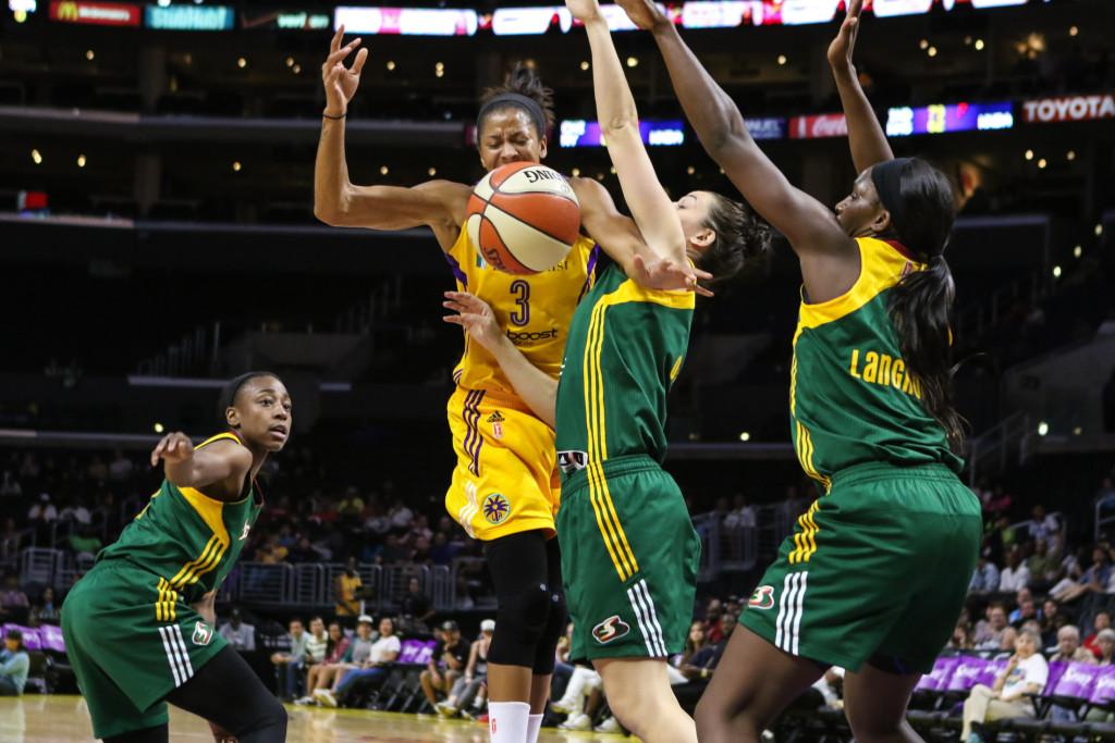 Tough Defensive by Jenna O'Hea & Crystal Langhorne. Photo by Jevone Moore