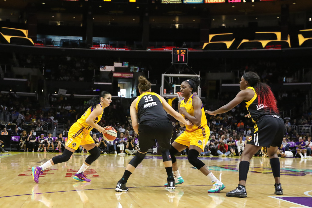 Ana Dabovic about to squeeze by  Nneka Ogwumike screen. Photo by Jevone Moore