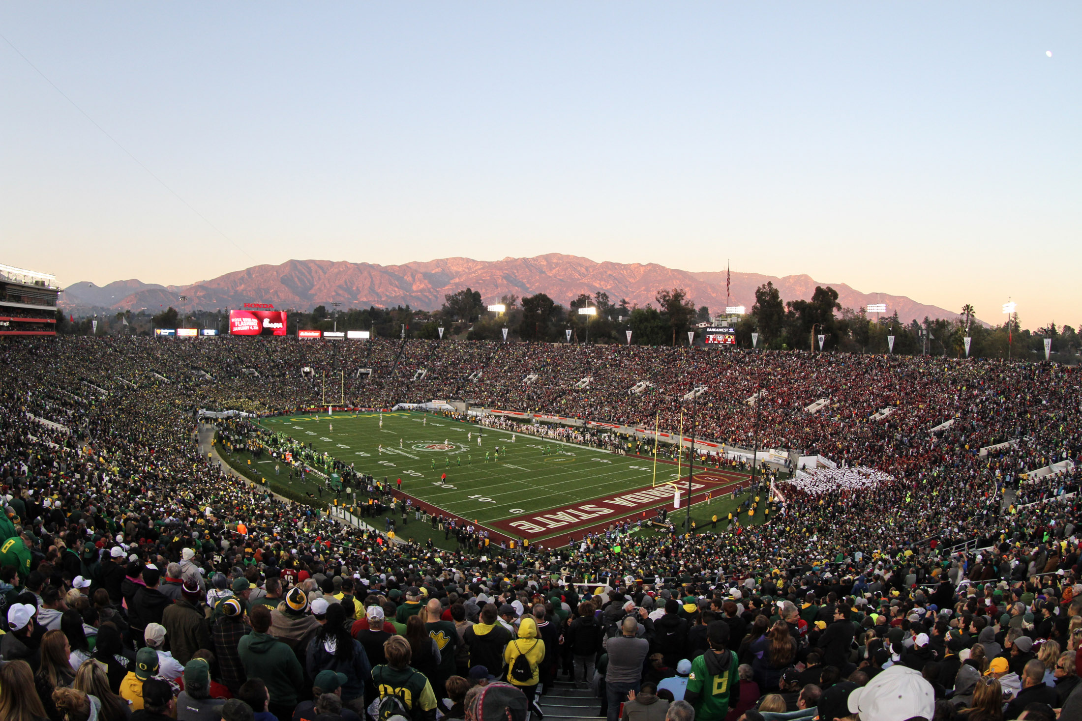 Florida State vs Oregon Ducks at the Rose Bowl in College Football Playoff - Stadium view