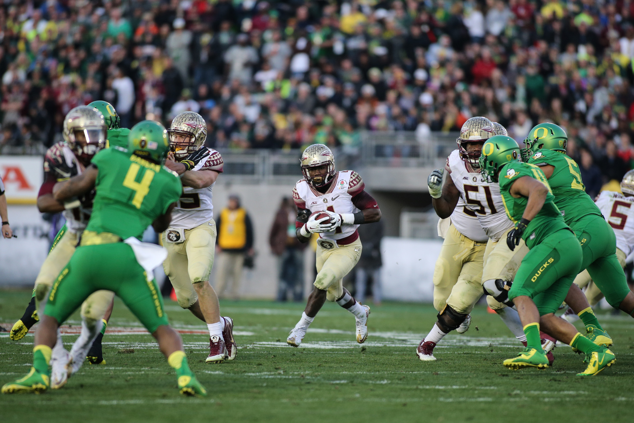 Florida State vs Oregon Ducks at the Rose Bowl in College Football Playoff -