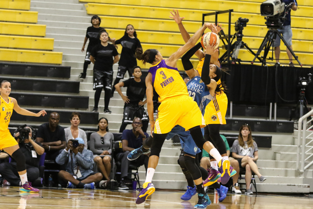 Candace Parker & Jantel Lavender playing tough defense on Maya Moore. Photo by Jevone Moore
