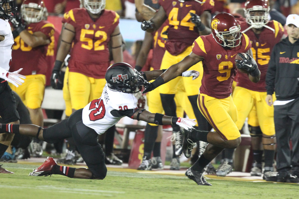 Receiver JuJu Smith-Schuster breaking away for Touchdown. Photo by Jordon Kelly