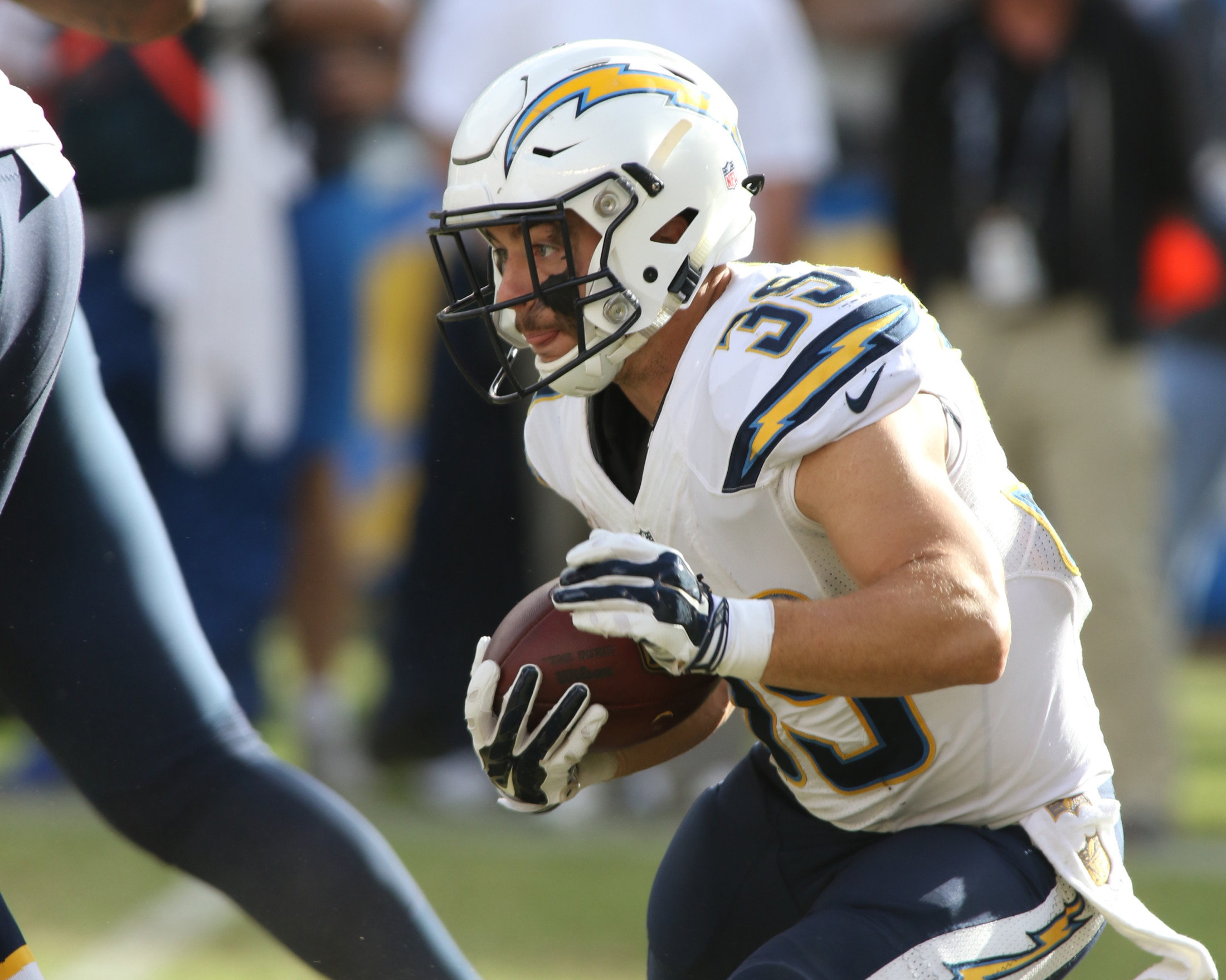 04 Oct. 2015: San Diego Chargers running back (39) Danny Woodhead in action during a game against the Cleveland Browns played at Qualcomm Stadium in San Diego, CA. (Photo By Jevone Moore/Full Image 360)