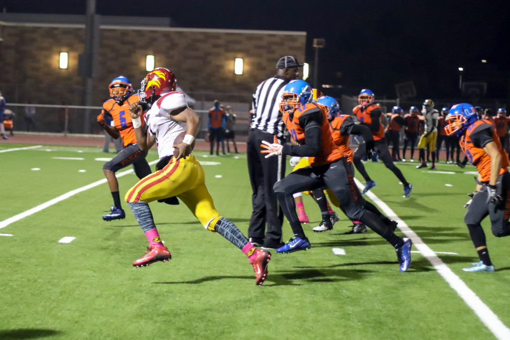 23 Oct 2015: Fairfax High School Quarterback Markell White (1) busting down field on read option during the Homecoming game against University. (Photo by Jevone Moore / Full Image 360)