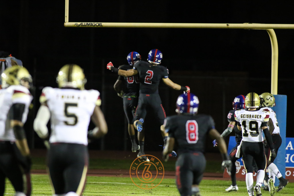 Oct 30, 2015 Serra's Kobe Smith (80) celebrating first half TD catch on Alemany during a game played at Serra High in Gardena, Ca. (Photo by Jevone Moore/Full Image 360)