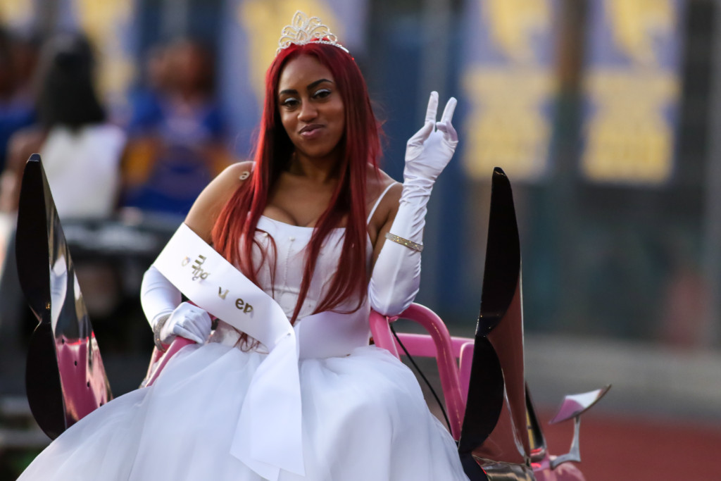 09 Oct. 2015: Crenshaw Cougars 2015 Homecoming Queen taking her ride around the track.(Photo By Jevone Moore/Full Image 360)