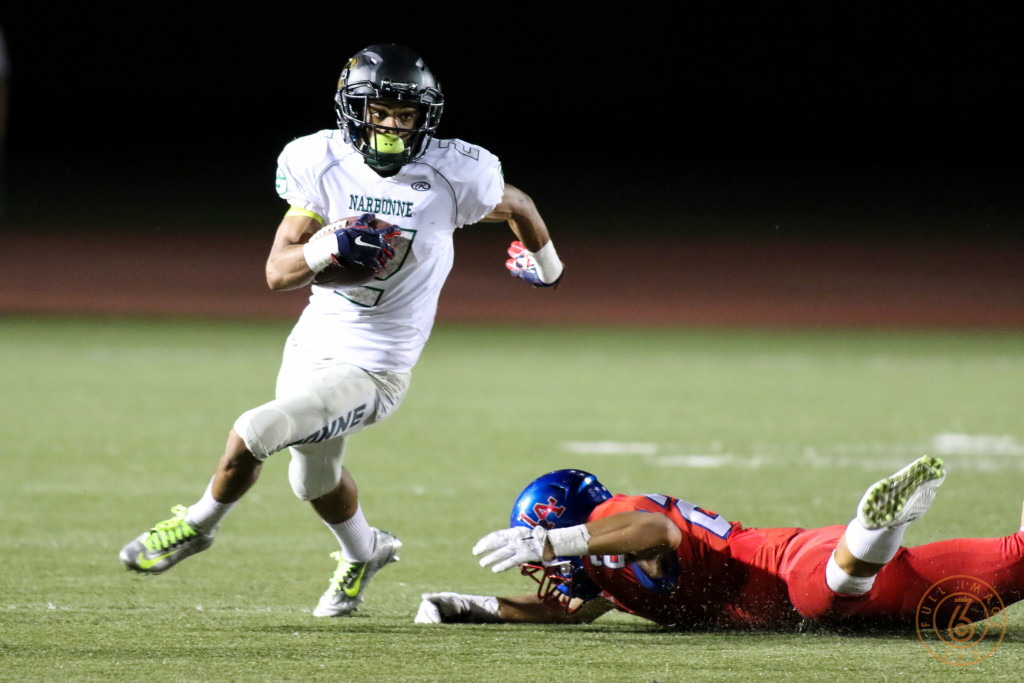 Narbonne Gauchos Sean Riley making Los Al miss. Photo by Jevone Moore