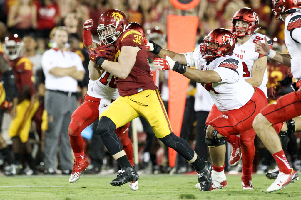 Oct 24, 2015 : USC Linebacker Cameron Smith returning one of his 3 interceptions during a game verse Utah at Los Angeles Memorial Coliseum. (Photo by Jordon Kelly / Jordon Kelly Photography)