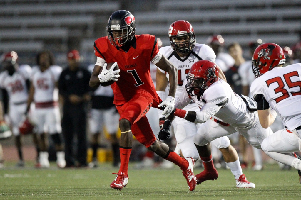 Oct 17, 2015: Long Beach City College wide receiver Mike Wilson (1) breaking away from defenders during a Chaffey game at Veteran's Stadium in Long Beach, Ca. (Photo by Jordon Kelly)