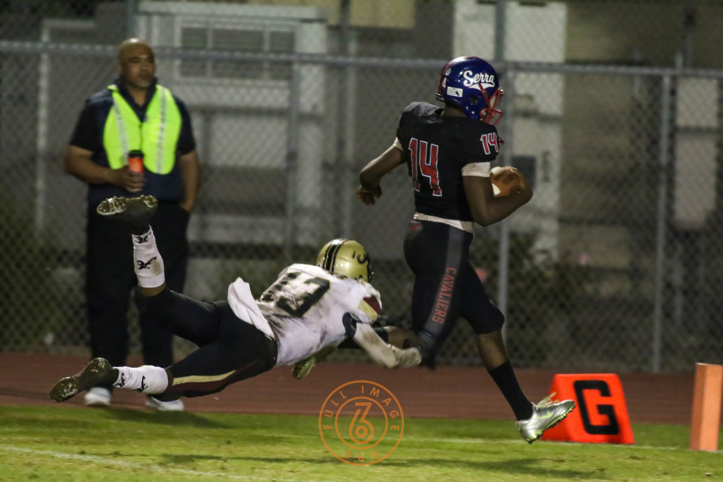 Oct 30, 2015 Serra's Khalil Tate (14) on way to 87 yard TD run on Alemany during a game played at Serra High in Gardena, Ca. (Photo by Jevone Moore/Full Image 360)