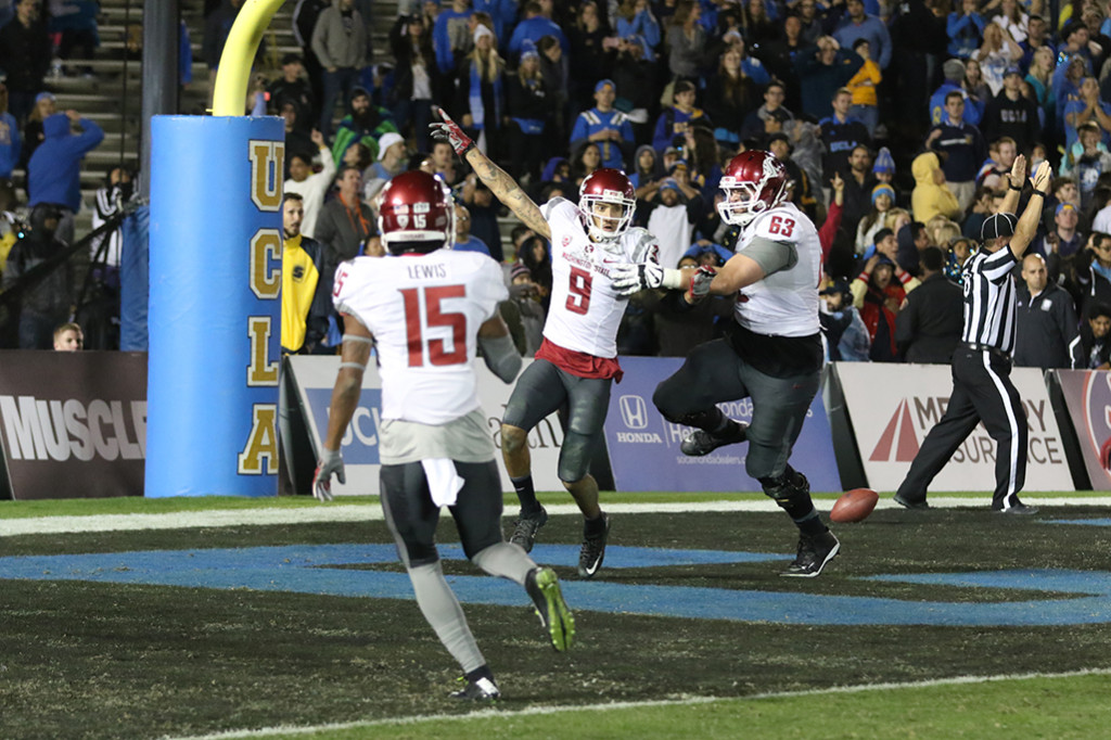 Nov 14, 2015 Washington State wide receiver Gabe Marks (9) after his game winning touchdown catch during second half of Washington State vs UCLA football game at the Rose Bowl in Pasadena, Ca(Photo by Jevone Moore/Full Image 360)