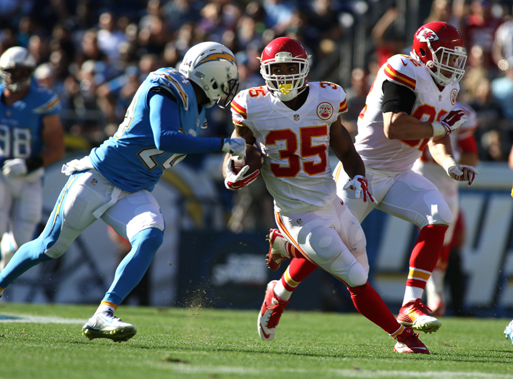Nov 22 : Chiefs Running back Charcandrick West makes moves in NFL Game action at the Kansas City Chiefs vs San Diego Chargers at Qualcomm Stadium in San Diego, Ca (Photo by Jevone Moore/Full Image 360)