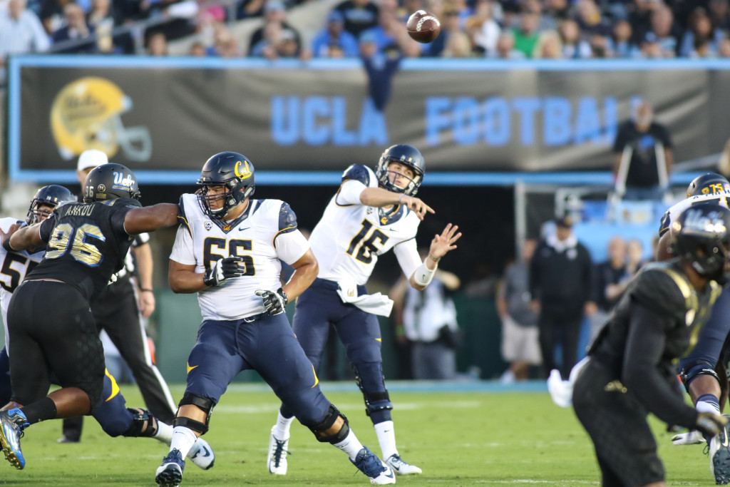 October 22 2015: Cal Bears quarterback Jaed Goff (16) game action pass during the game between Cal and UCLA at Rose Bowl in Pasadena, CA. (Photo by Jevone Moore / Full Image 360)