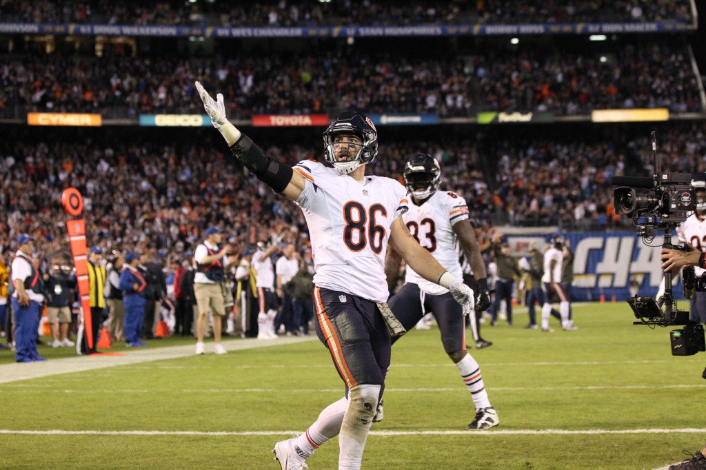 Nov 9: Bears tight end Zach Miller waving to the crowd after catching the game winning touchdown during the Chicago Bears vs San Diego Chargers (Photo by Jordon Kelly)