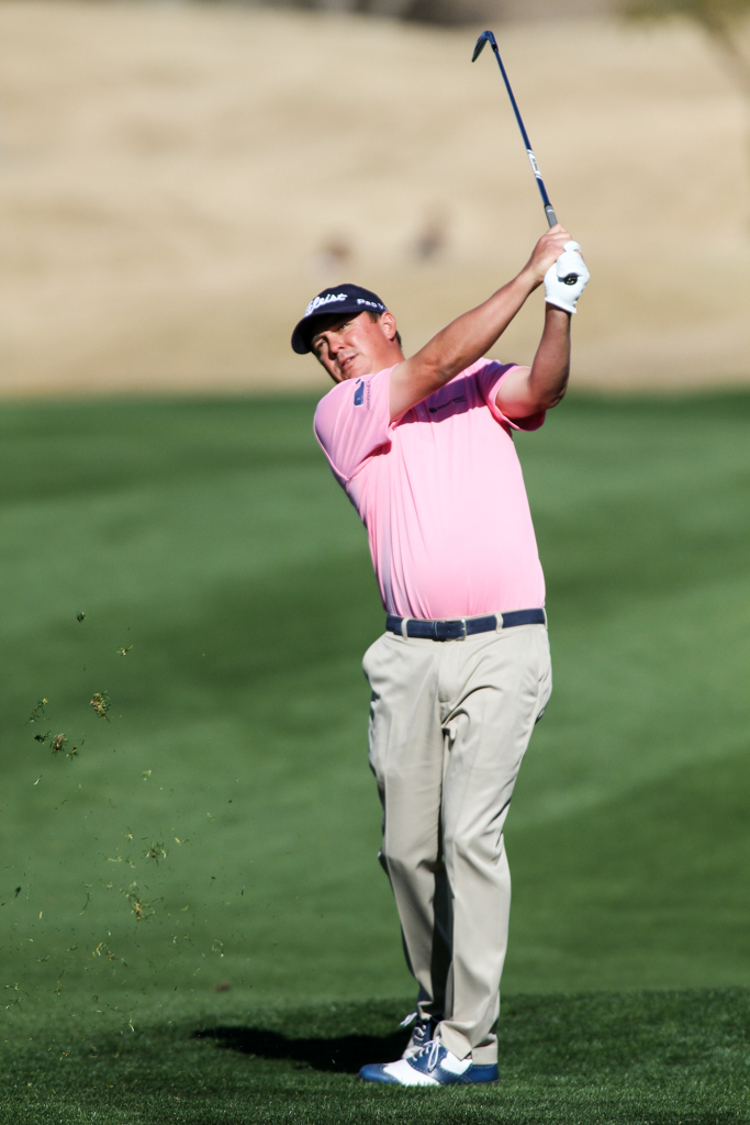 Jason Dufner hold high in the final Round action of PGA Golf during the CareerBuilder Challenge at PGA West TPC Stadium Course in La Quinta, CA. (Photo by Jevone Moore/Full Image 360)