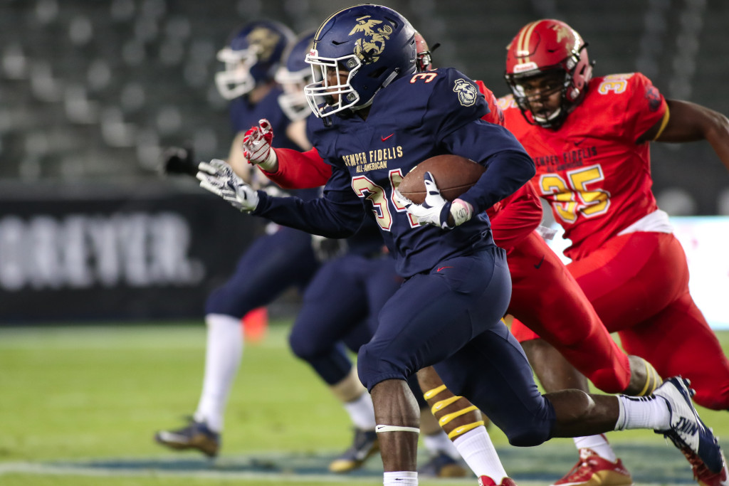 East RB Amir Rasul pulling away on sweep and finished game with 3 touchdowns  at The 5TH Annual SEMPER FIDELIS All-American Bowl 2016 at StubHub Center in Carson, CA. (Photo by  Jevone Moore/fi360 News)