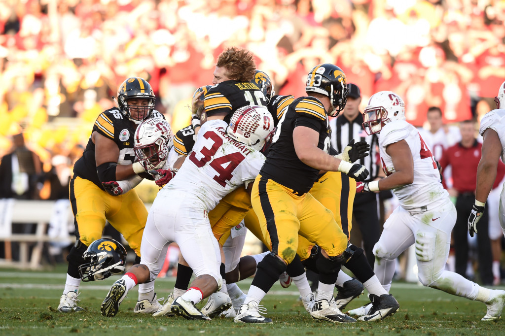 Iowa Hawkeyes quarterback C.J. Beathard (16) loses his helmet during the 102nd Rose Bowl Game Stanford Cardinals vs Iowa Hawkeyes   2016. (Photo by  Jevone Moore/fi360 News)