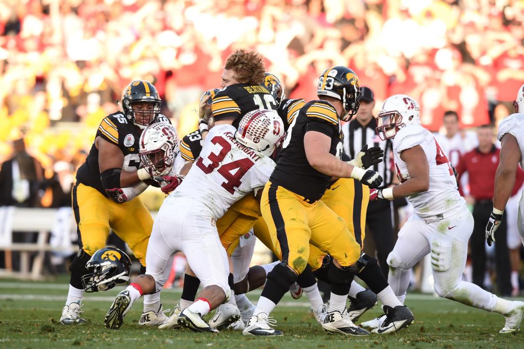 Iowa Hawkeyes quarterback C.J. Beathard (16) loses his helmet during the 102nd Rose Bowl Game Stanford Cardinals vs Iowa Hawkeyes   2016. (Photo by  Jevone Moore/fi360 News)