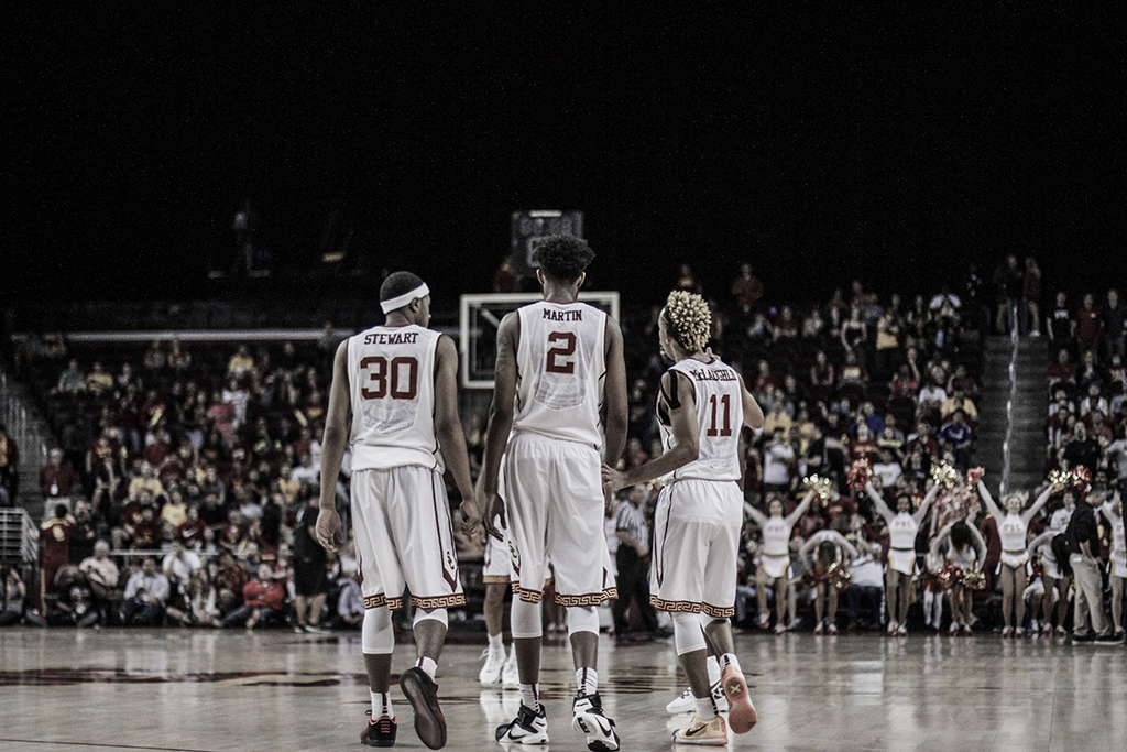 USC players during Utah vs USC game at the Galen Center in Los Angeles, CA. (Photo by Michael Ewing / fi360 News)