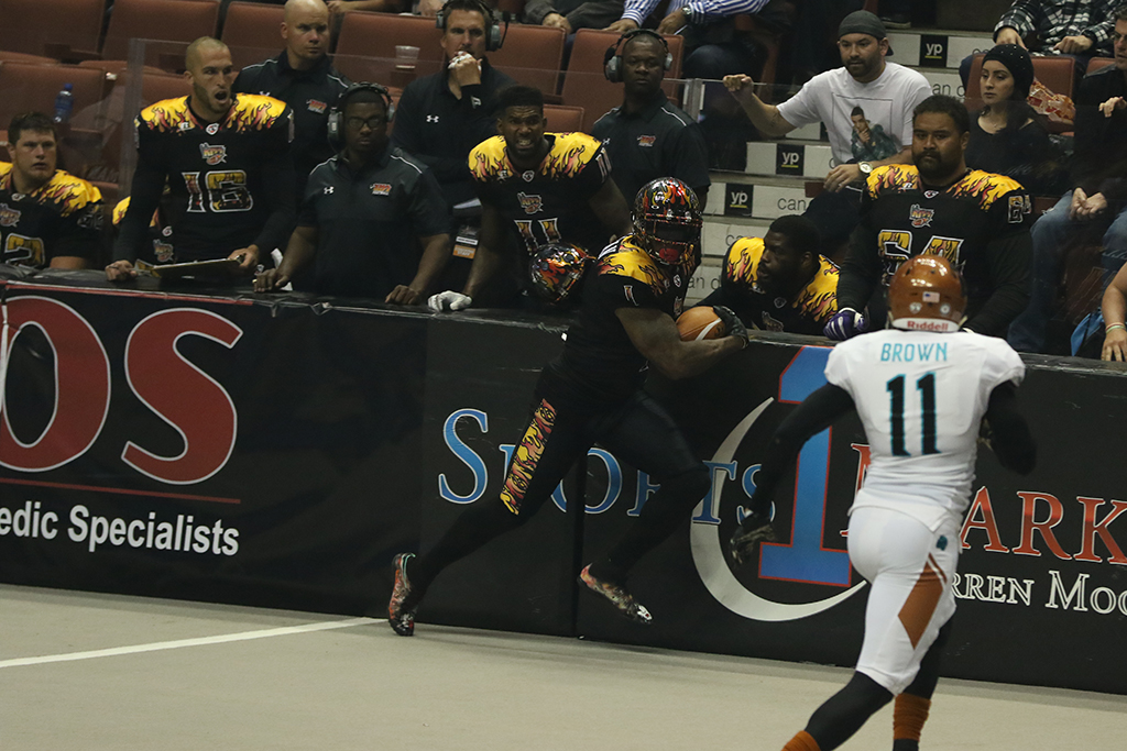 AFL 2016 April 9th Arizona Rattlers vs LA KISS game action in the first half at Honda Center in Anaheim, CA. (Photo by Jevone Moore/Full Image 360)
