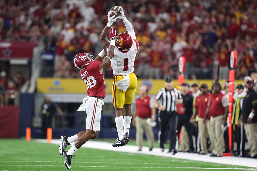 Senior Darreus Rogers catching ball at apex during the Advocare Classic USC vs Alabama on Sept 3rd, 2016 at AT&T Stadium in Arlington, TX. (Photo by Jordon Kelly / fi360 News)