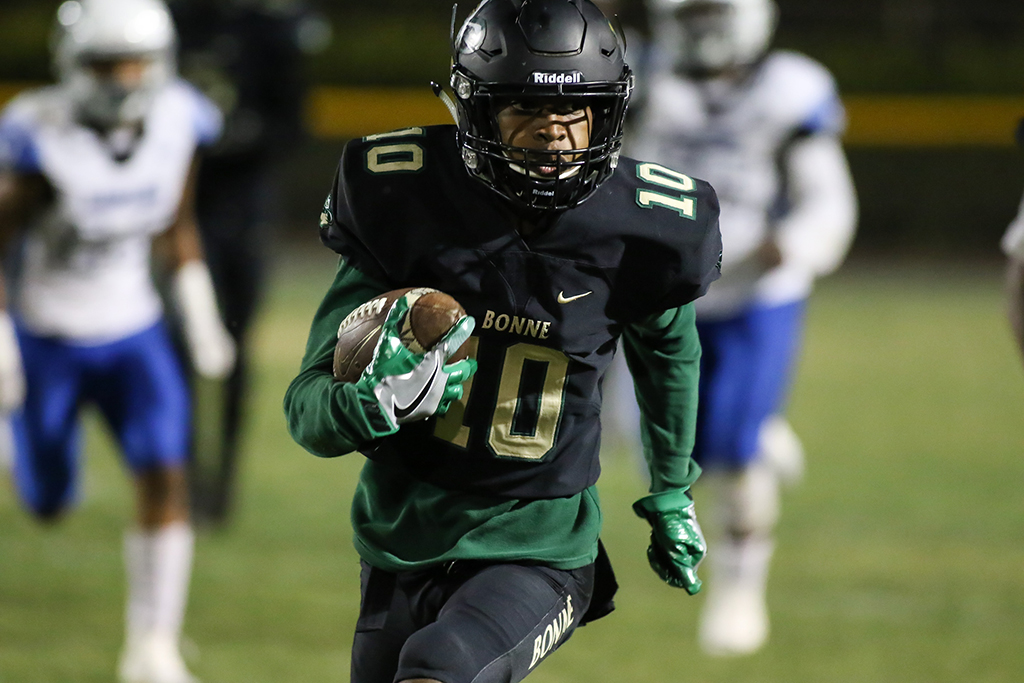 High School Football Los Angeles High vs Narbonne Gauchos game action on September 30, 2016. (Photo by Jevone Moore/Full Image 360)
