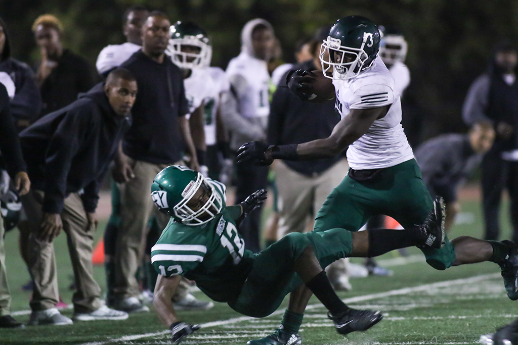 High School Football Hawkins Hawks vs Dorsey Dons game action on October 13, 2016. (Photo by Jevone Moore/Full Image 360)