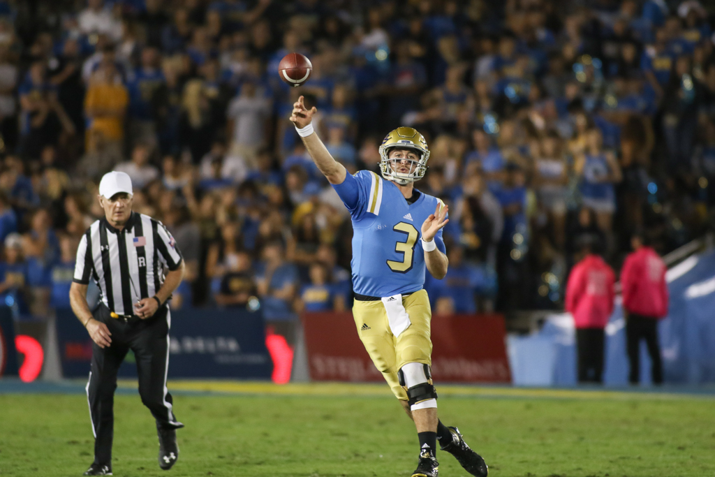 Arizona Wildcats vs UCLA Bruins at Rose Bowl on October 1, 2016. (Photo by Jevone Moore/Full Image 360)