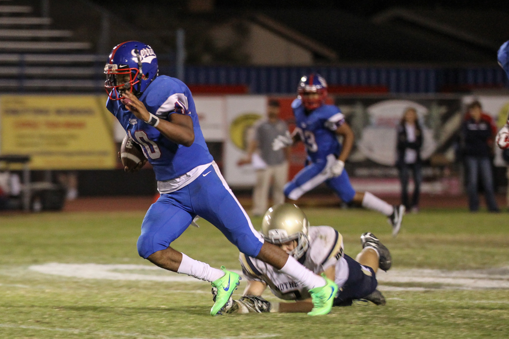 High School Football Norte Dame vs Serra game action on October 7, 2016. (Photo by Jevone Moore/Full Image 360)