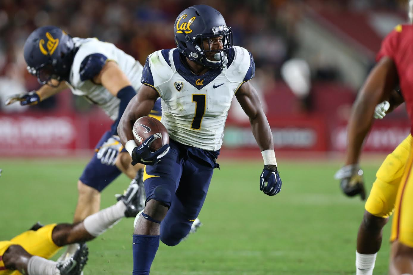 Cal Receiver Melquise Stovall running after a catch during the Cal vs USC on Oct. 28, 2016 at Los Angeles Memorial Coliseum, in Los Angeles, Ca. (Photo by Jordon Kelly / fi360 News)