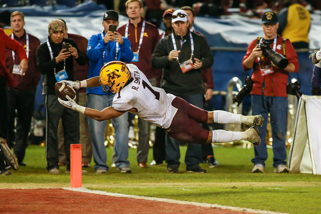 December 27, 2016 San Diego, CA National Funding Bowl Bowl: Minnesota vs Washington St. at Qualcomm Stadium on December 27, 2016. (Photo by Jevone Moore / fi360 News)