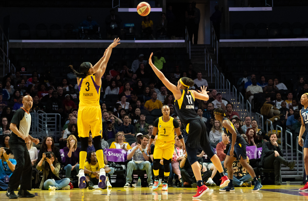 Sparks beat Fever 74-55, Extend win streak to 5 - fi360 News